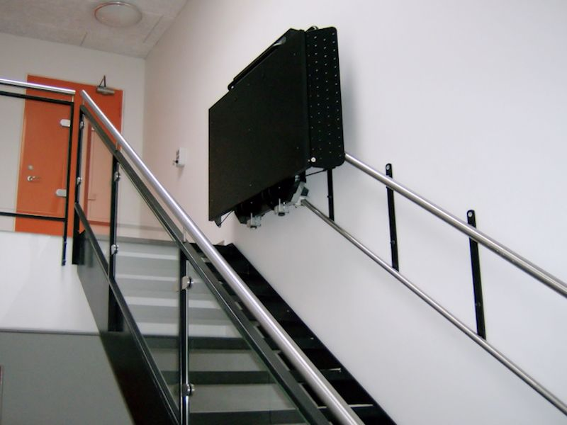 domilift-trapplateaulift-zwart-800x600