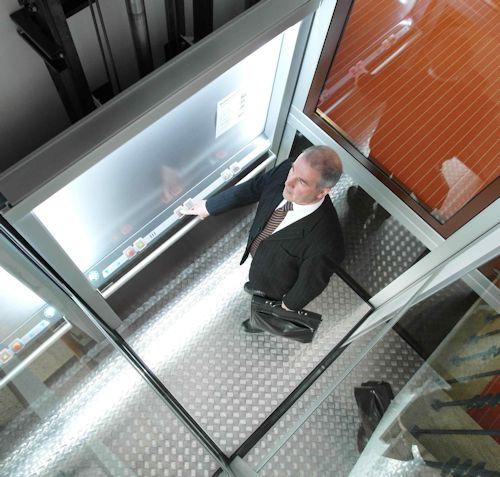 hetek-lift-met-schacht-binnen-500